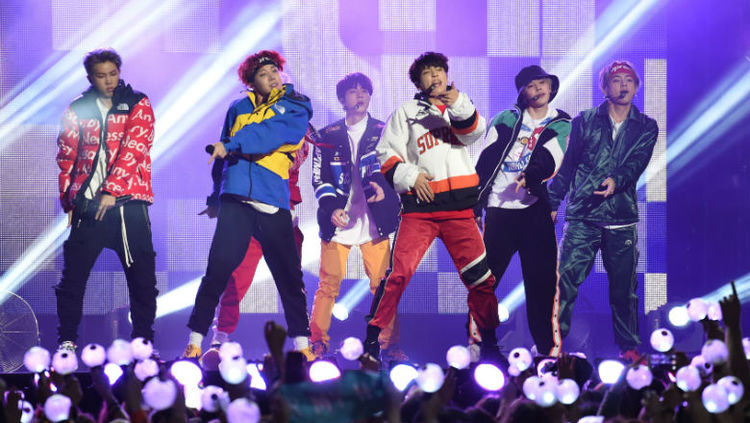 "BTS presenta su serie-documental ""Burn the Stage"""