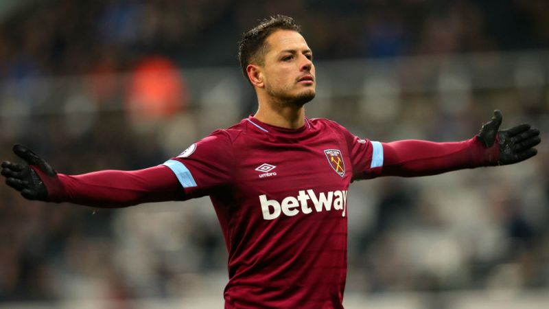 ¡Chicharito anota doblete!
