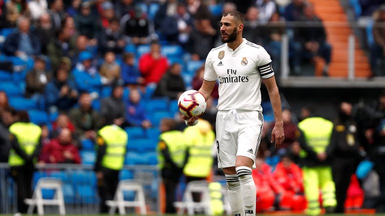 Benzema salva al Madrid